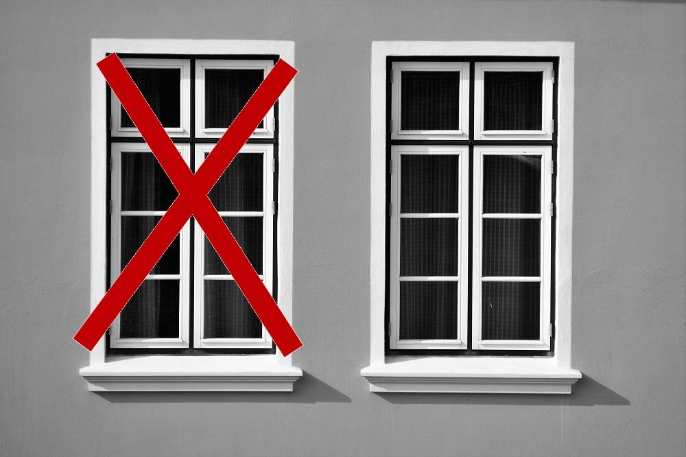 Guide pratique comprenant 11 idées pour intégrer le trou laissé par une fenêtre condamnée, Trou de fenêtre dans un mur de brique