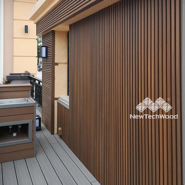 Bois ajoure en composite mur Design exterieur Newtechwood